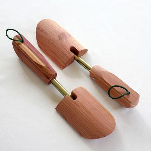 av-onesize-shoetree-pairw